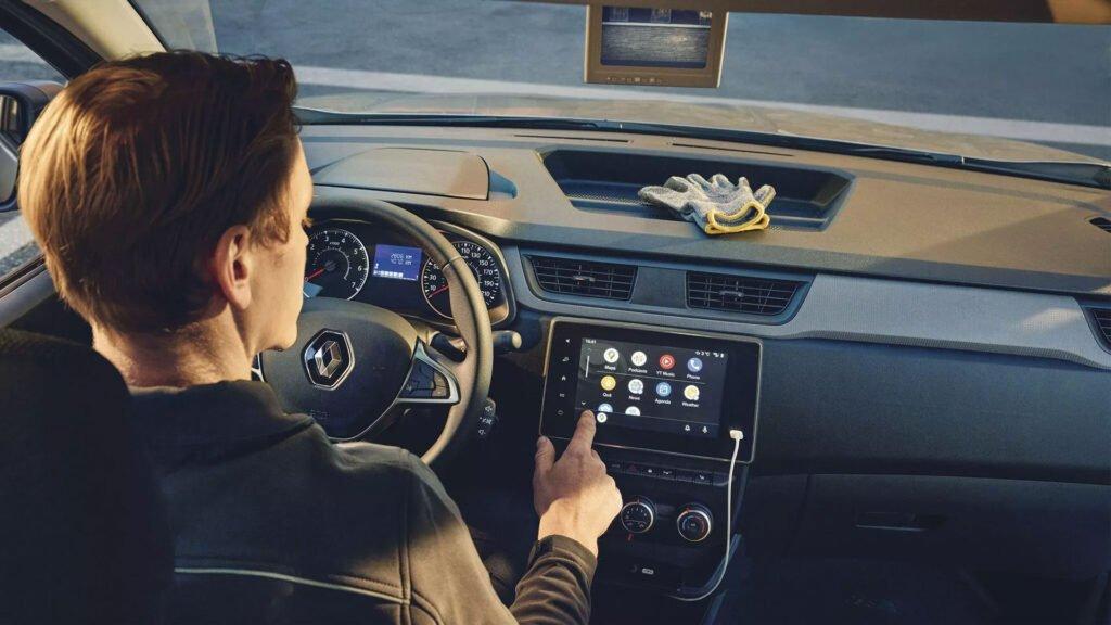 """Nya Renault Express med 8"""" skärm och smart digital backspegel"""