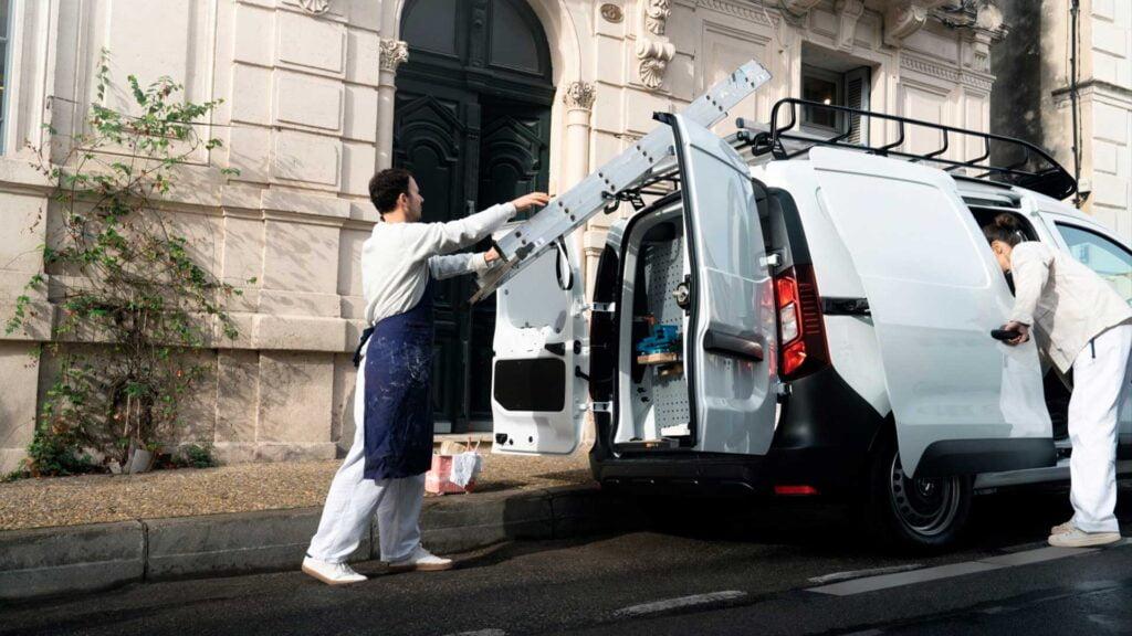 Renault Express är en liten transportbil med rymlig insida som går att anpassa efter ditt företags behov